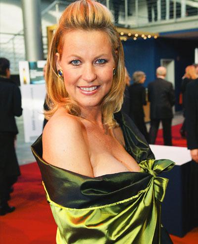 Anja Schute Nude Photos 15